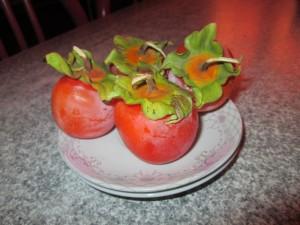 Un joli fruit tout mignon, le kaki japonais.