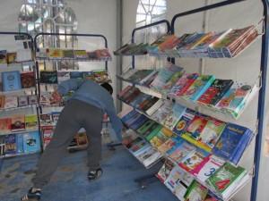 Beaucoup de livres scolaires
