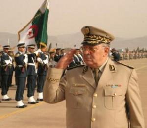 Le Commandant des forces armées
